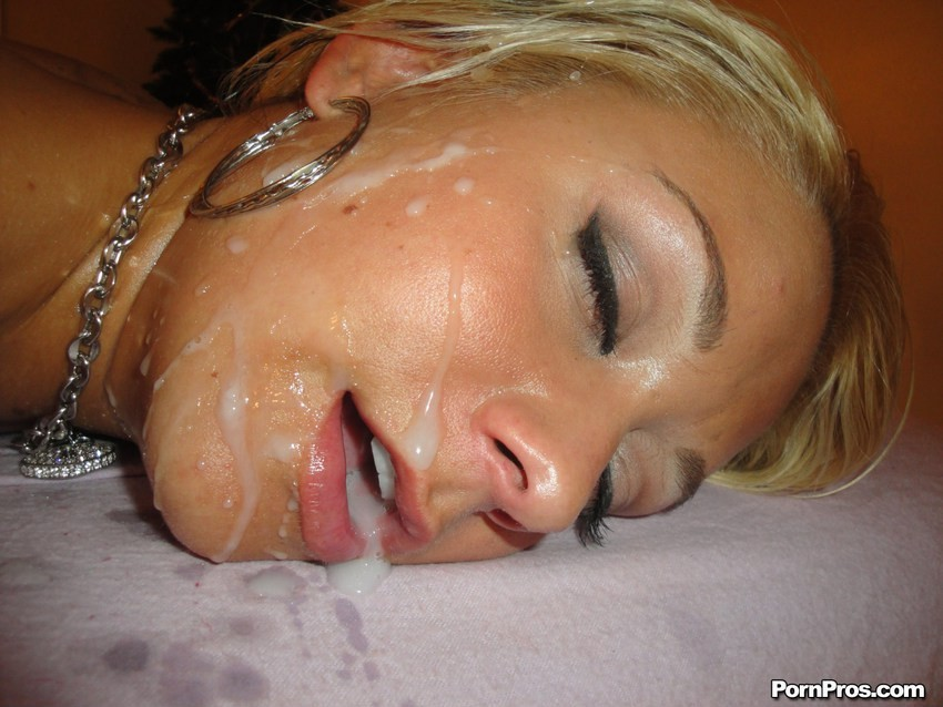 waking her up by eating her out