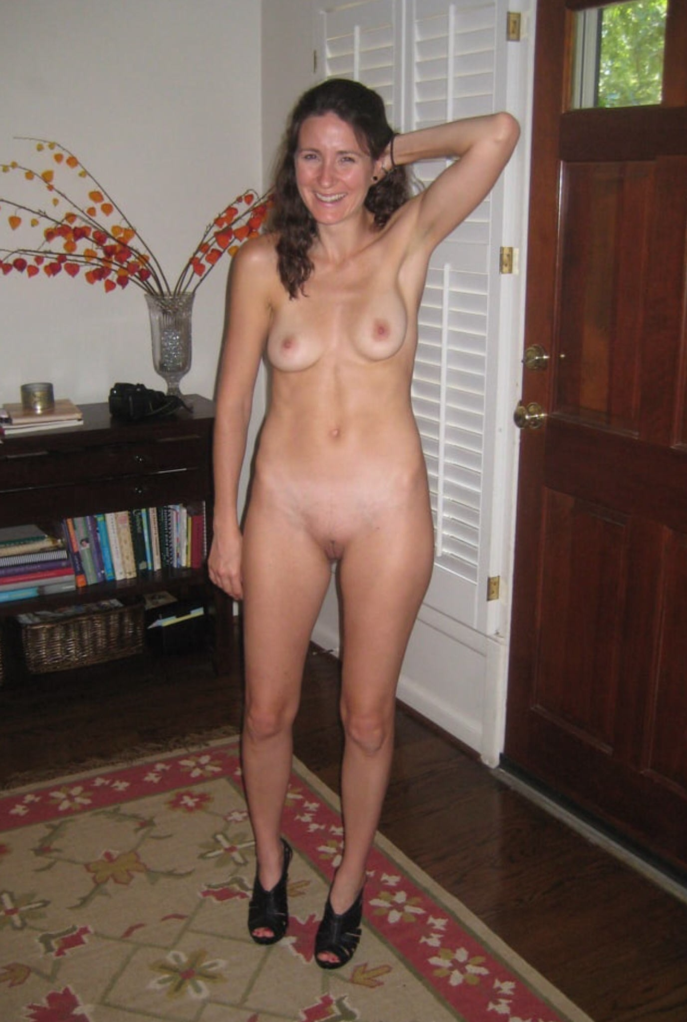 brunette at a glory hole picture uploaded imaging
