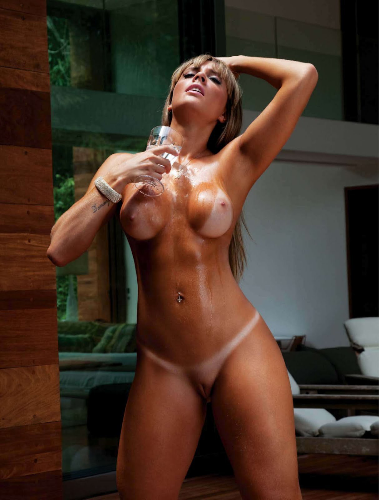 Nude Latina Fullfrontal Tits Pussy Shave