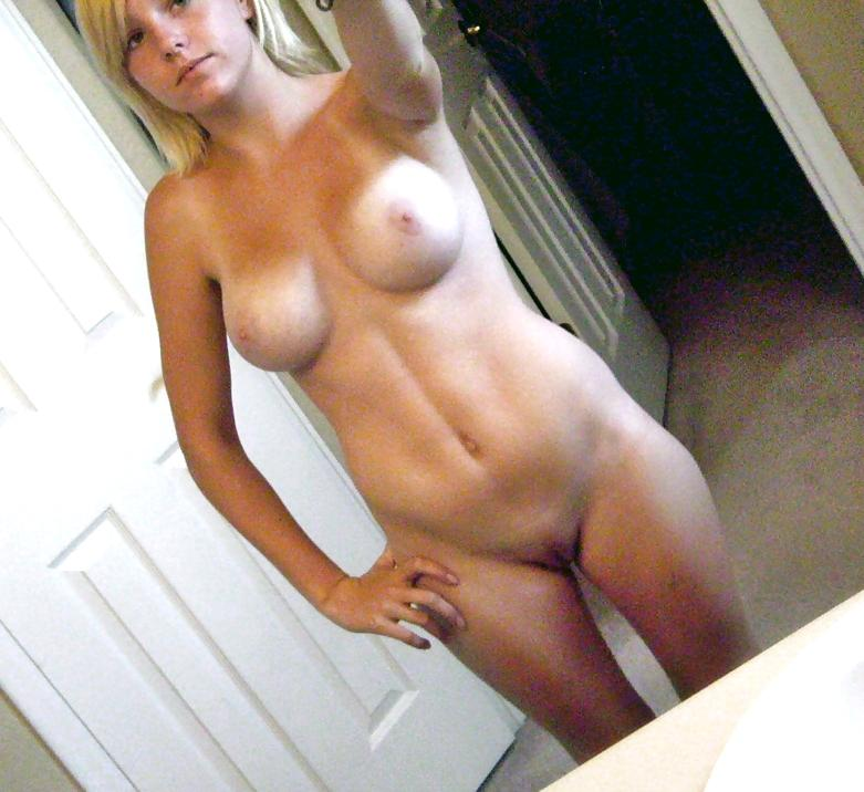 Extra Older Chick Sticking Out Nude Sexy Body Amateur Blonde Milf Mom Wife Wive Nude Naked Busty Bigtits Bigboobs Nude Naked