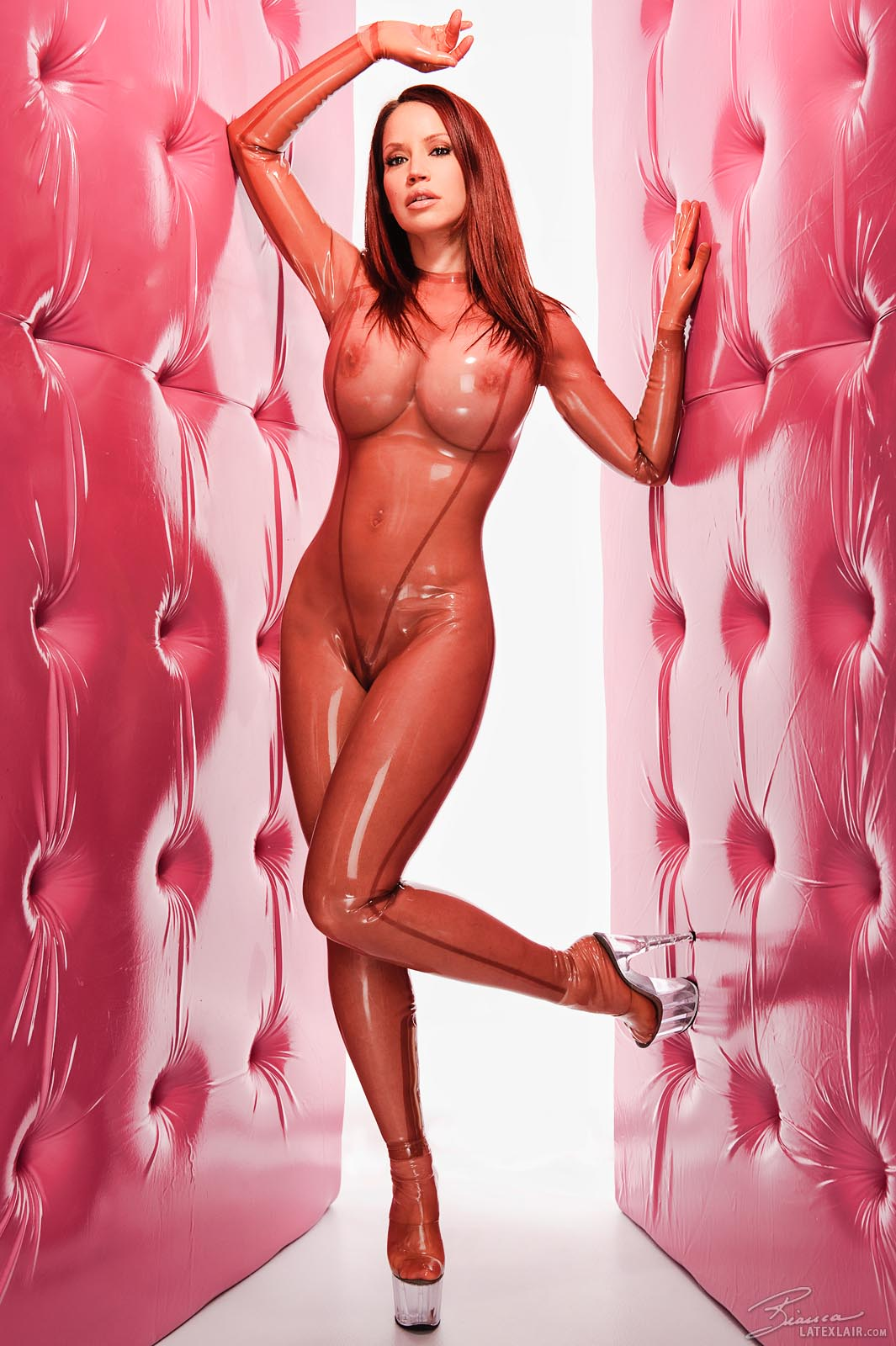 veronika movies and pictures at wet and puffy