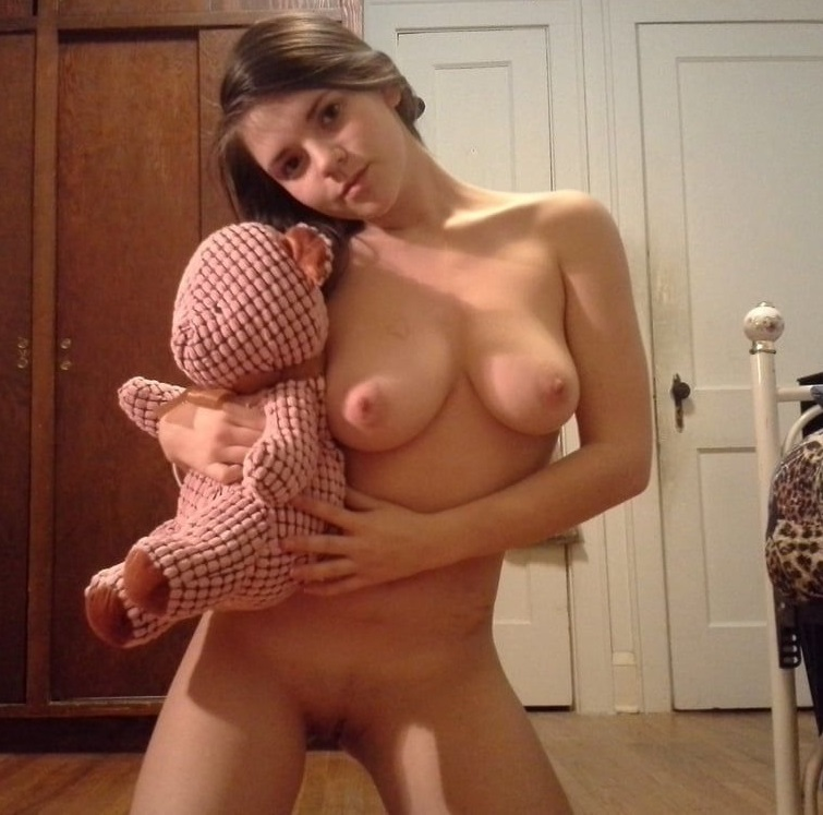 Amateur Teen Outside FlashingPussy Cutie FuzzyPussy PussyStubble NiceSlit TightPussy Pretty Sexy
