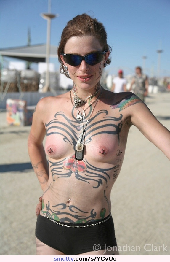 free pictures of nude fitness models and female bodybuilders