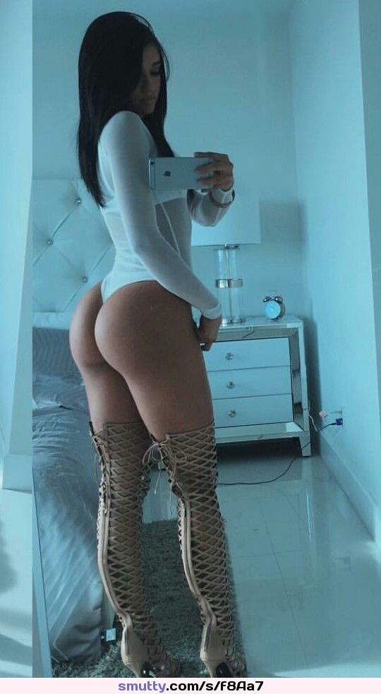 shorts pics in free ass galleries